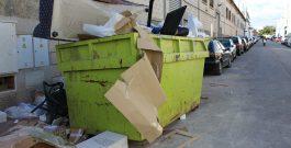 Los polígonos dan un paso al frente para paliar la falta de servicio de recogida de basura